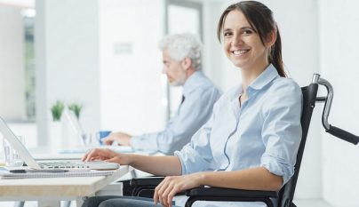persona-discapacitada-trabajando
