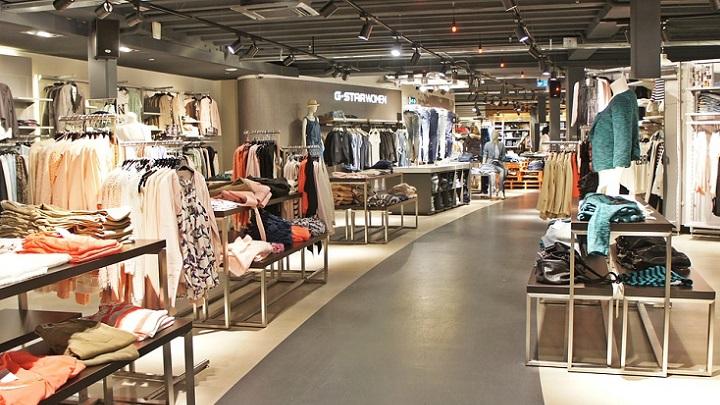 C mo promocionar una tienda de ropa en navidad for Muebles para negocio de ropa