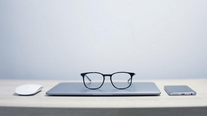 gafas-y-ordenador