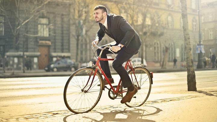 hombre-en-bicicleta