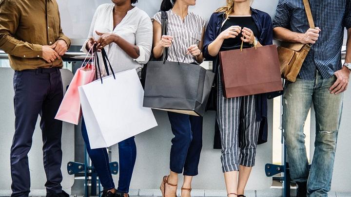personas-con-compras