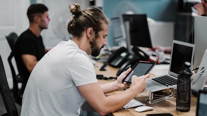 personas-con-ordenador