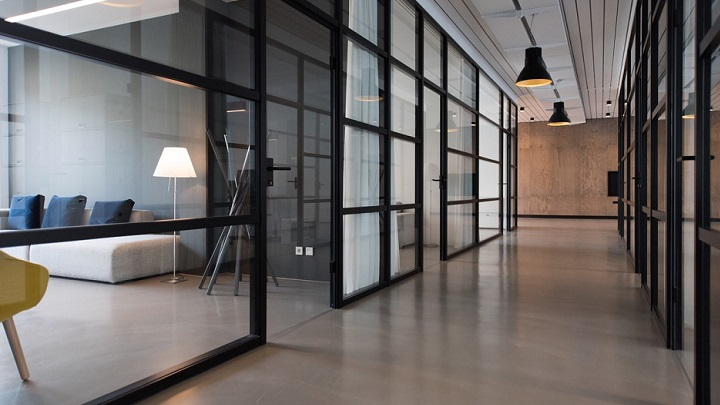 puertas-de-cristal-en-oficina