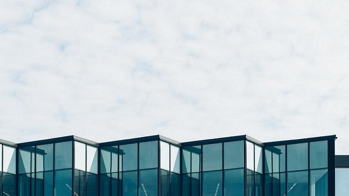 edificio-de-negocio