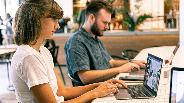trabajando-con-ordenador