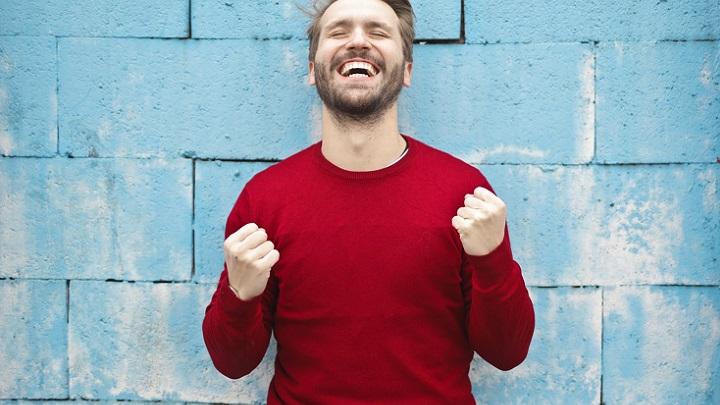 hombre-feliz-y-motivado