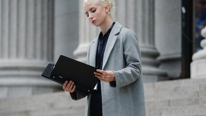 profesional-consulta-documentos