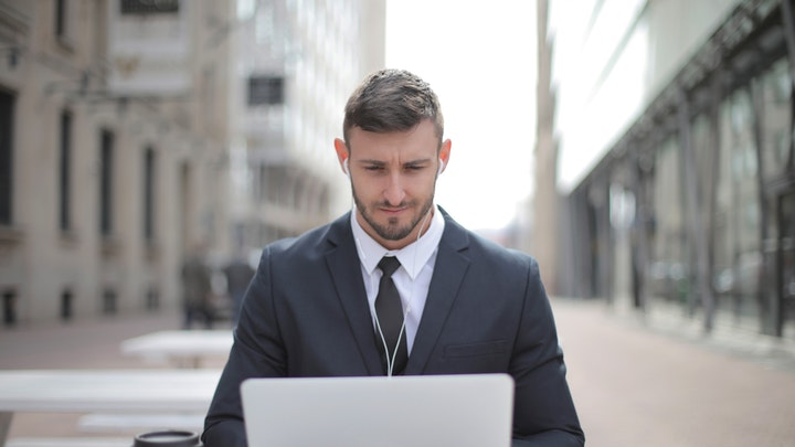 emprendedor-trabaja