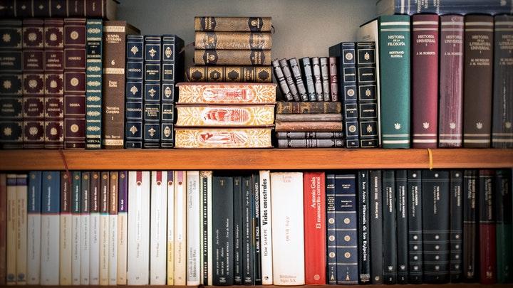 estanterias-con-libros