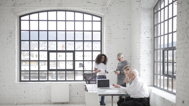 personas-en-un-coworking